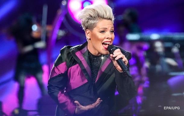 Співачка Pink розповіла про своє зараження коронавірусом
