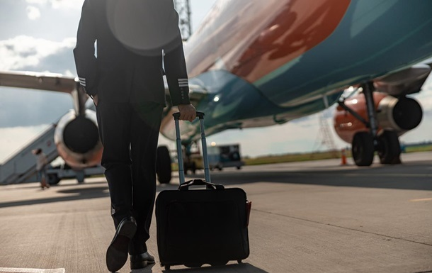 Інкубатор хвороб : пілот розкрив небезпеку літаків