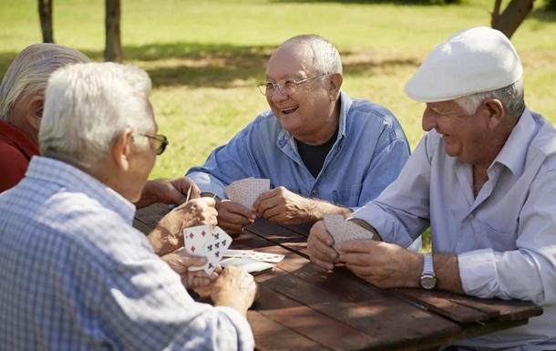 Играющих в карты в лесу итальянских пенсионеров накрыла полиция