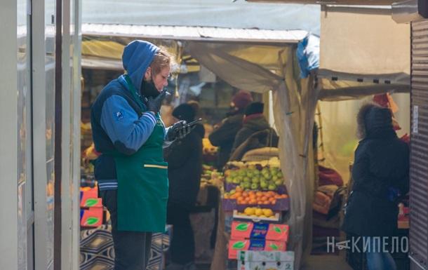 В Харькове вновь открылись рынки - фоторепортаж