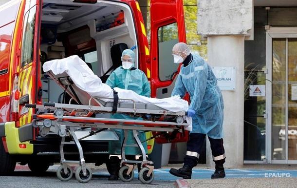 Пандемия COVID-19: во Франции рекордные 833 жертвы