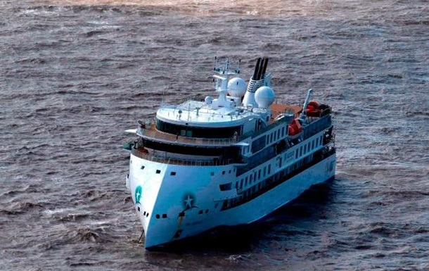 На круизном лайнере Greg Mortimer COVID-19 выявили у большинства пассажиров