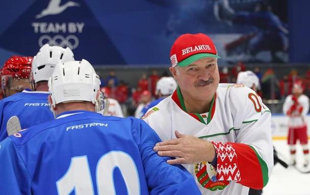 Баня і горілка. Як Лукашенко бореться з епідемією