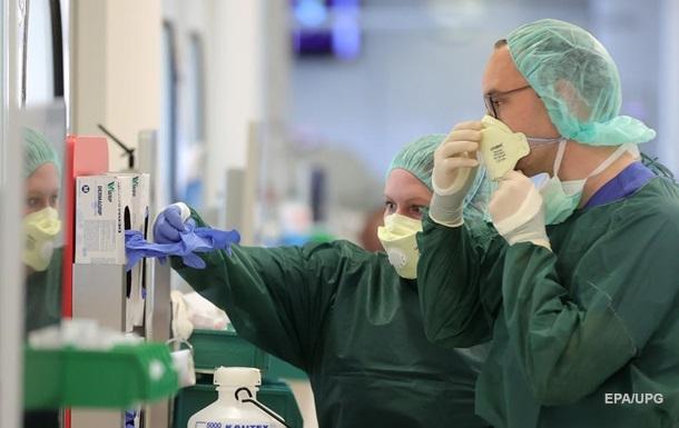 За кордоном зросла кількість хворих на COVID-19 українців