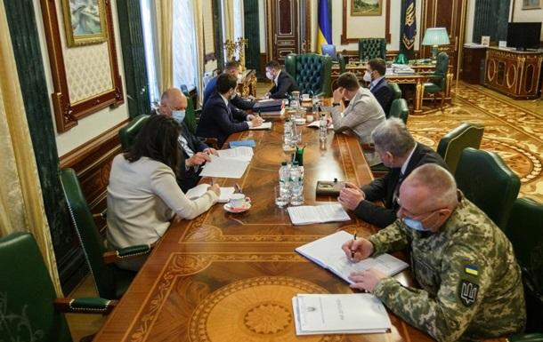 Зеленский инициировал онлайн-курсы по использованию аппаратов ИВЛ