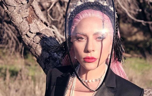 Леді Гага знялася в піджаку на голе тіло