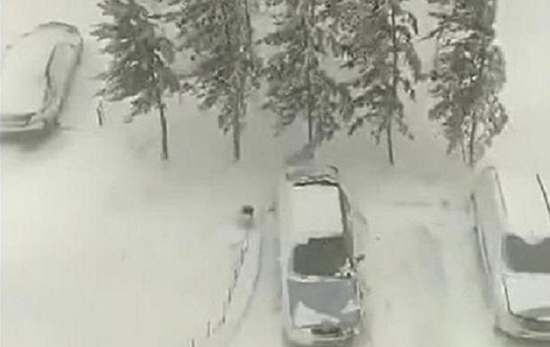 На Казахстан обрушился снежный буран в апреле