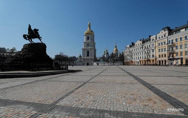 В Киеве в очагах COVID-19 ввели принудительный карантин