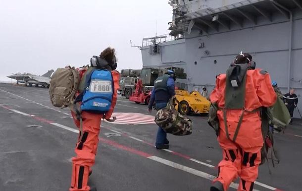 На борту французского авианосца выявили COVID-19 у 50 моряков