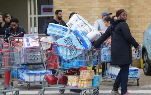 Американці розкупили сотні мільйонів рулонів туалетного паперу