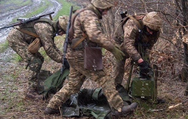 Сутки в ООС: трое военных ранены