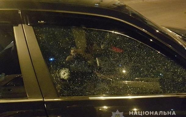 В Киеве водитель Range Rover устроил стрельбу на дороге