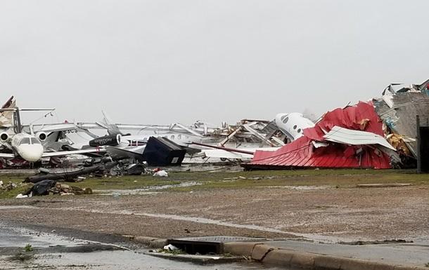 По США ударили мощные торнадо: есть жертвы