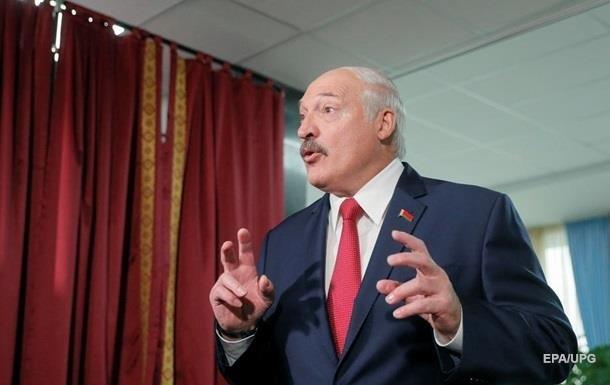 Лукашенко удивился селянам в масках