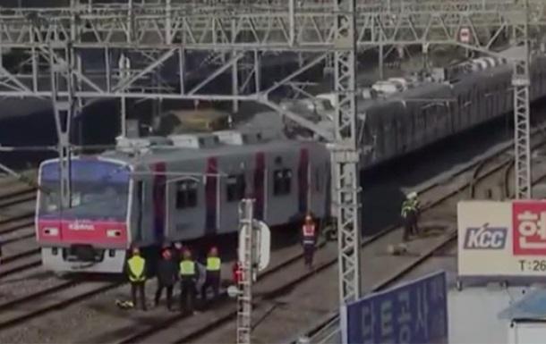 В Сеуле поезд сошел с рельсов