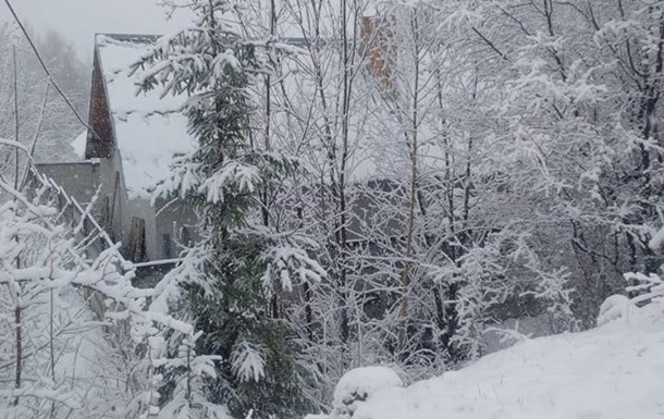 Снег в Карпатах 14 апреля