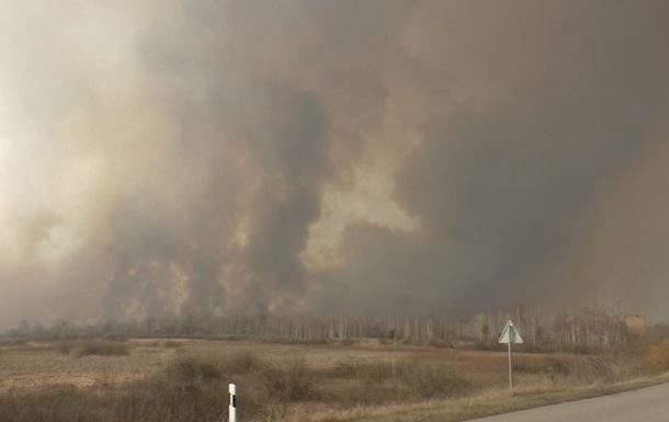На Житомирщині рятувальники загасили пожежу на 10 день