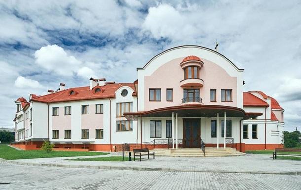 УГКЦ предоставила медикам во Львове здание для обсервации