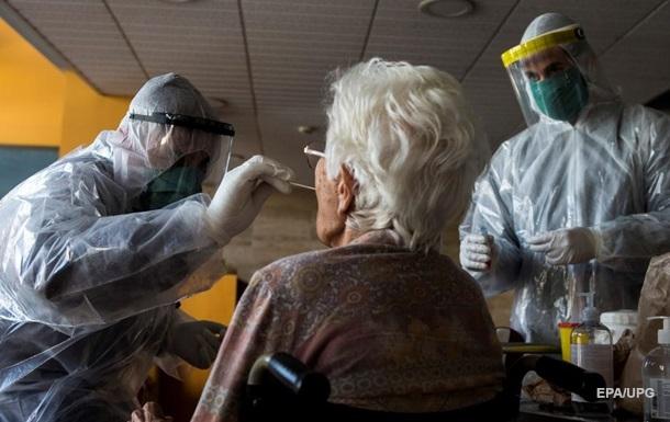 СМИ: В домах престарелых Испании скончались от COVID почти 12 тыс человек