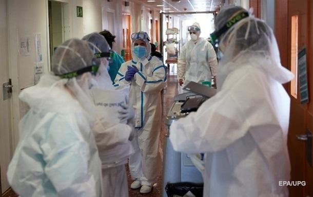 В Украине протестируют на коронавирус всех медиков