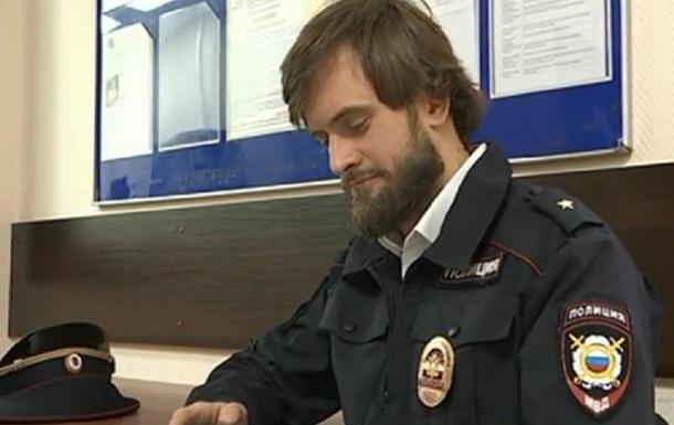 Мужчина переоделся полицейским, чтобы гулять по городу в карантин