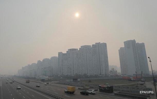Дым из Чернобыля и пылевая буря. Чем накрыло Киев