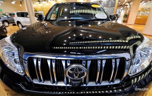 Toyota отозвала более 250 тысяч автомобилей в Китае