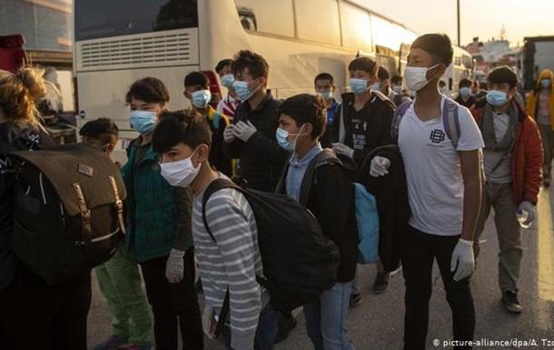 До Німеччини прибули 47 дітей-біженців із грецьких таборів