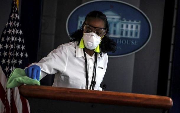 В США закупили 20 млн масок по завышенным ценам − СМИ