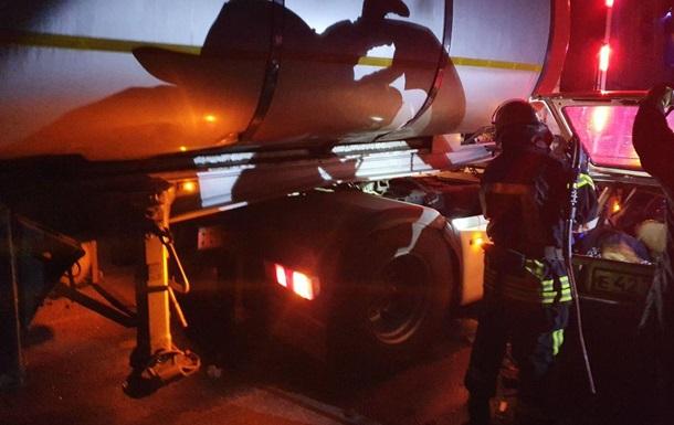 На Кировоградщине грузовик столкнулся с легковушкой: четыре жертвы