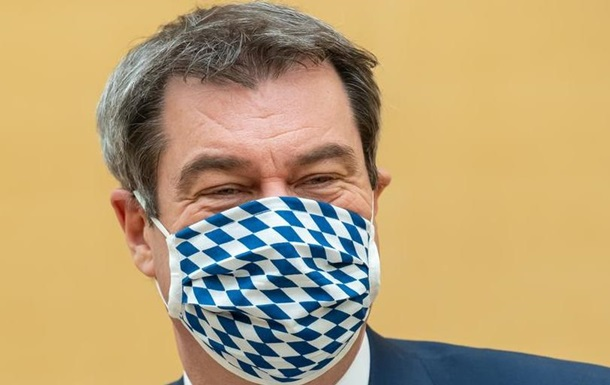 У Баварії запроваджують обов язкове носіння масок