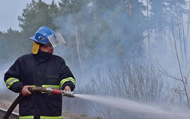 У зоні ЧАЕС і на Житомирщині рятувальники гасять окремі осередки пожеж