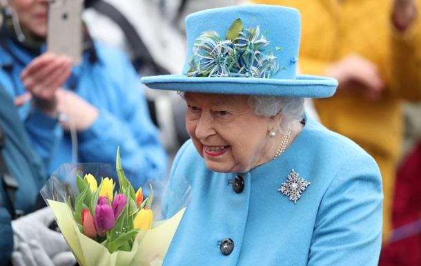 Королева Британії відзначить свій день народження із сім єю через відеозв язок