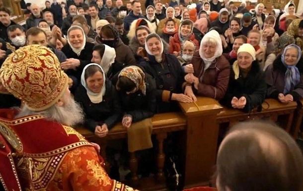 У Святогірську лавру на Великдень прийшли сотні людей