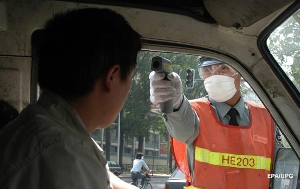 В Китае мегаполис закрыли из-за вспышки COVID