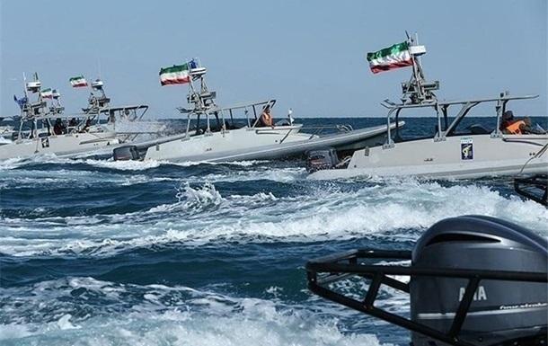 Трамп дозволив знищувати іранські катери