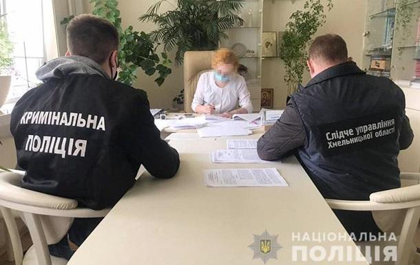 В Хмельницком замглавврача роддома подозревают в торговле людьми