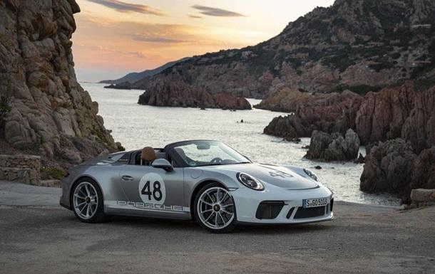 Покупателю Porsche 911 за полмиллиона долларов подарили часы и экскурсию