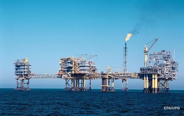 Цена на нефть растет на снижении добычи в США