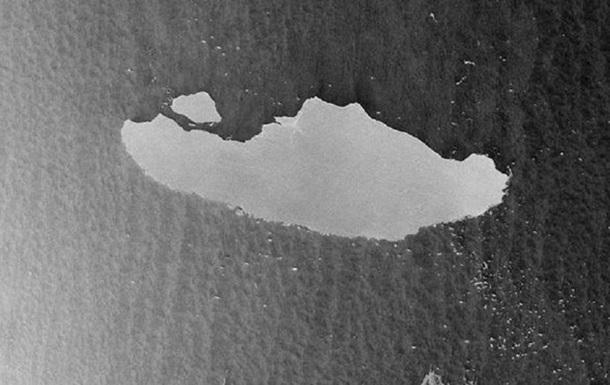 Разрушается самый большой в мире айсберг