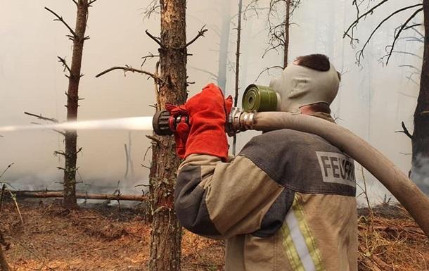 З пожежами в зоні відчуження борються три тижні