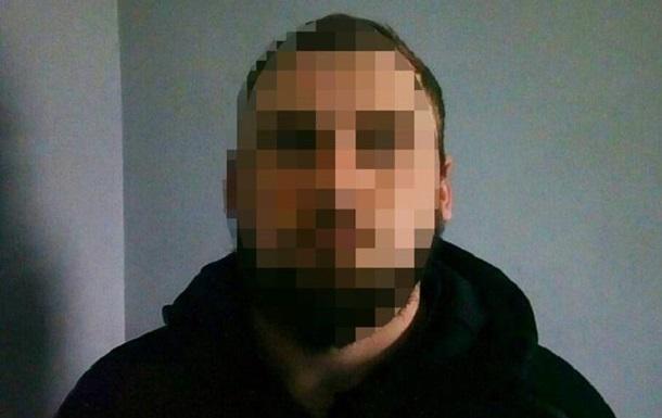 У Києві чоловік прострелив ноги поліцейському