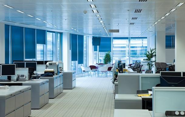 В России банки переводят персонал на проживание в офисе