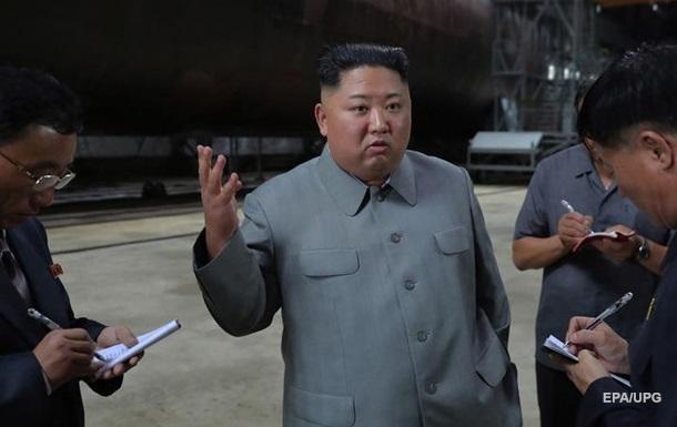 У КНДР повідомили, що Кім Чен Ин працює з документами