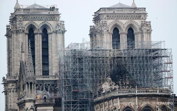В Париже восстановили реставрацию Нотр-Дама