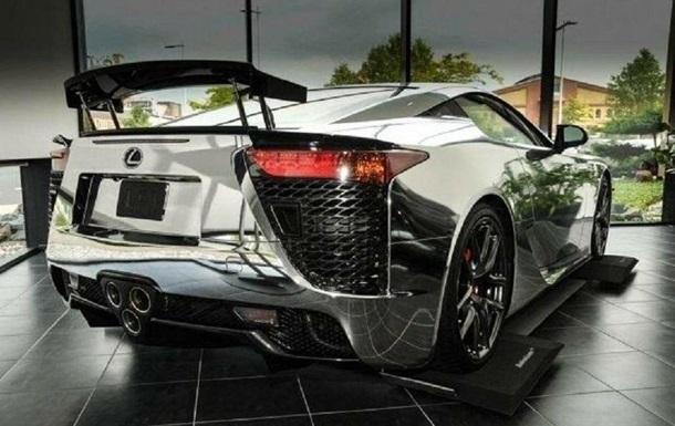 Редкий зеркальный Lexus продают за €1 млн: фото