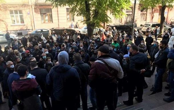 Протестующие добились открытия рынков в Черновцах