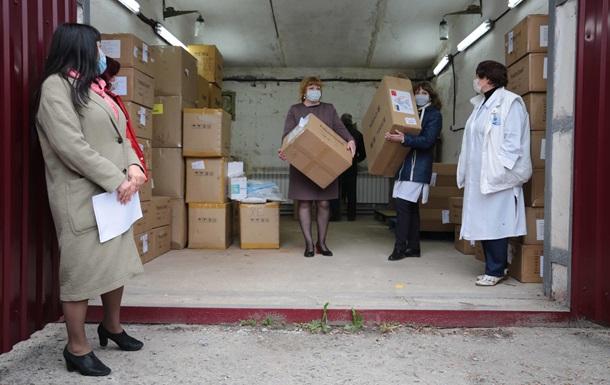 Благотворители передали медучреждениям Луганщины средства биологической защиты