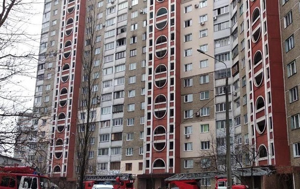 В многоэтажке в Киеве прогремел взрыв: двое пострадавших