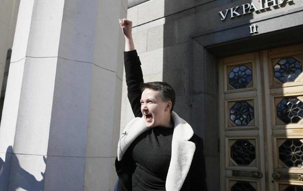 Савченко поблагодарила адвокатов за свое освобождение
